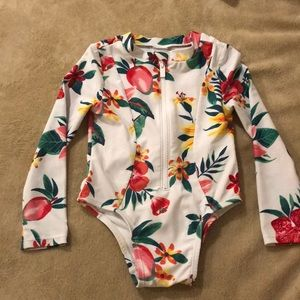 3T OLD NAVY LONG SLEEVED BATHING SUIT
